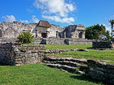 16aLa Casa de las columnas (dom kolumien)